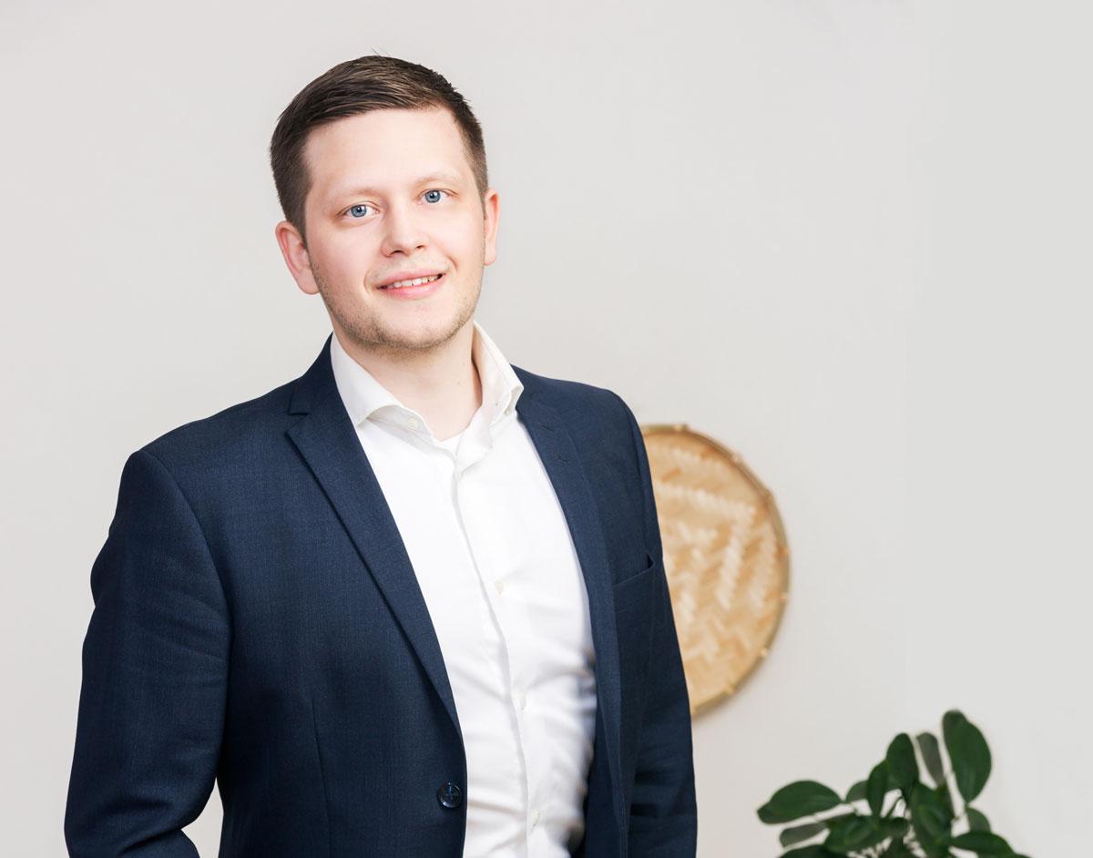 Kiinteistönvälittäjä Tomi Heikkinen